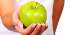 Ecco come cambia il tuo organismo se mangi una mela verde a stomaco vuoto al giorno