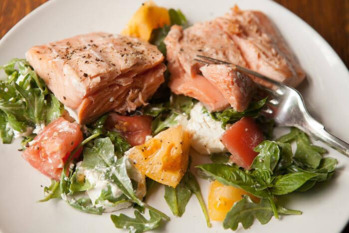 Saltare la cena per perdere peso Sbagliatissimo! 6 tipi di cena per perdere 4 chili in 6 giorni