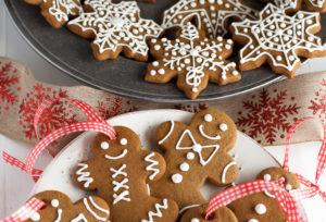 Biscotti Allo Zenzero Di Natale.Biscotti Di Natale Allo Zenzero Gustosi E Sani Con Pochissime