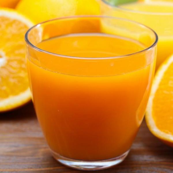 Gli incredibili benefici della spremuta d'arancia: ecco perché dovresti berla tutti i giorni